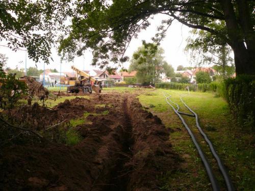 Pro budoucí hřiště bylo třeba vybudovat odvodnění