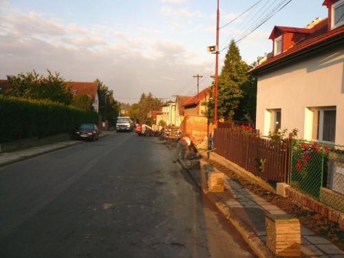 Rozkopání původních chodníků